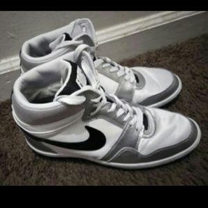 Men's Nike Tennis Shoes Size 9.5